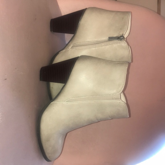613a9c06accac Dollhouse Shoes | Light Grey Booties | Poshmark